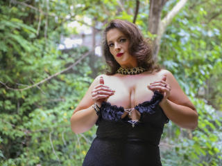 YourDreamMilf - Web cam nude with this reddish-brown hair Hot chicks