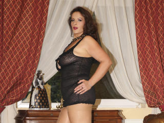 YourDreamMilf - Show hard with a Hot babe with enormous melons