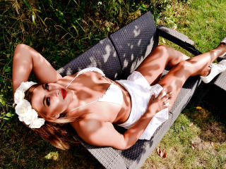 AmandaAlice - online show xXx with a European Mistress
