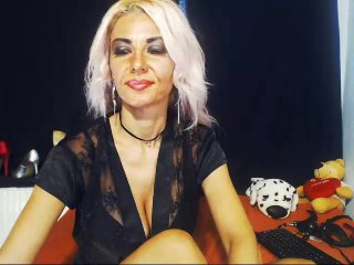 MissLaraHoney - online chat hot with this Mistress with enormous cans