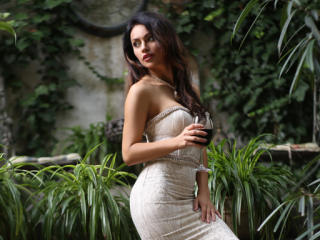 IreneCurtiz - Chat cam hot with a muscular body Young lady