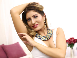 ClaireDaniells - Show exciting with this golden hair Young and sexy lady