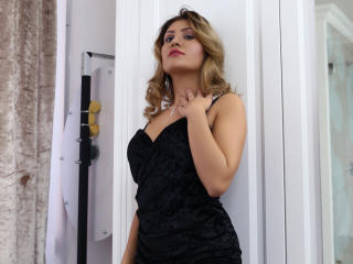 ClaireDaniells - online show hot with this Hot babe with immense hooters
