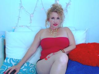 DayannaHott - Sexy live show with sex cam on XloveCam®