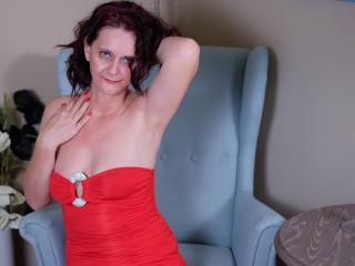 BrendaBelleForYou - Web cam hard with this shaved pubis Sexy mother