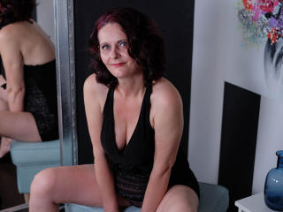 BrendaBelleForYou - Show hot with a redhead Lady over 35