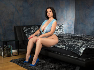 WantedNicole - online show nude with a ordinary body shape Mature