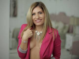 ClaireDaniells - Live nude with this gold hair Sexy babes