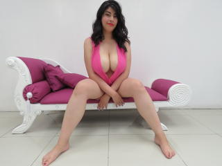 AlexaTits - Webcam hard with this shaved genital area Hot chicks