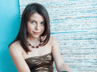 SophiaGreens - Cam nude with this chestnut hair Girl