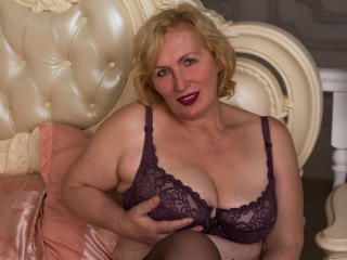 HotGiantPleasure - online show porn with this big boob Sexy mother
