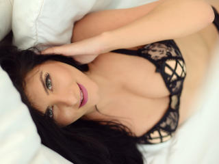 SoniaMartiny - Webcam live hot with this black hair Young lady