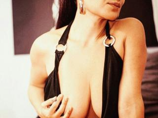 BellaVicky - Chat cam hot with a massive breast Hot chick