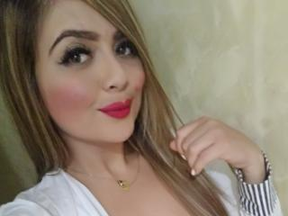 BonnyNaughty - Chat xXx with this regular body Horny lady