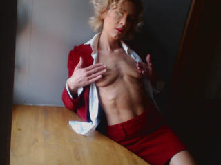 LolaBelle - Sexy live show with sex cam on sex.cam