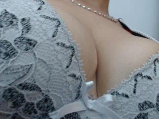 Swetassbig - Cam exciting with a hairy vagina Lady over 35