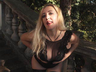 MiaCuteBlond - Show live xXx with this so-so figure Hot chick