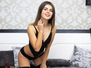 Sexy nude photo of MadisonD