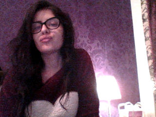 SweetBrunete girl masturbating live on webcam