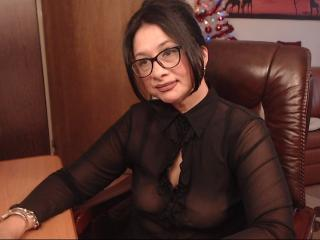 CuteKittyforLove - Webcam hard with this immense hooter Lady over 35