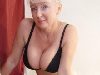 HotMatureBlondi photo gallery