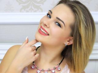 KristalMaia - Webcam exciting with a ordinary body shape Hot chicks