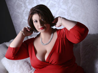 OneHotPenellope - Web cam hard with this fat body Sexy mother