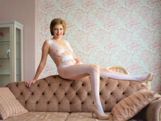 BlueEyesAngel - chat online hot with this European Young and sexy lady