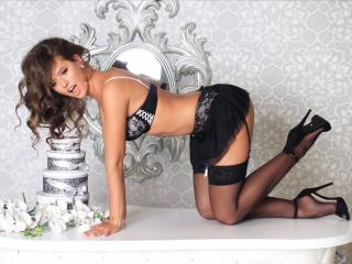 AdalynY - Show xXx with a shaved sexual organ Hot chicks
