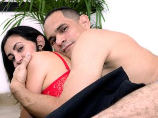 KlooyXSilver - Show hot with a latin american Couple