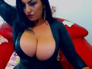 KinkyGirlsForYouX - Chat hard with a Lesbian with immense hooters