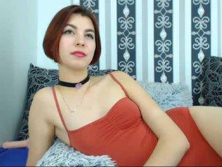 Sexy nude photo of AkiraHoot