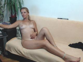 SexyCoco - Live cam sexy with a light-haired Sexy lady