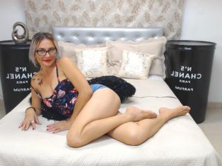 ChelyBlondex - Chat cam sex with a blond Mature