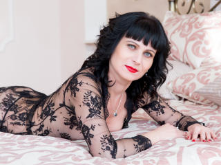 EvelinaX - chat online exciting with this Mature with regular tits
