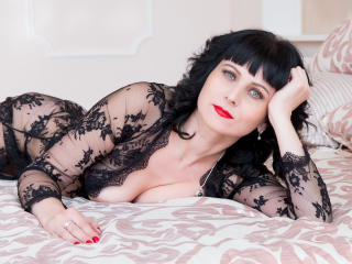 EvelinaX - chat online xXx with a charcoal hair Mature