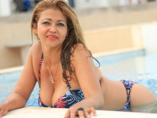 MatureDelicious - Chat cam x with a latin american Sexy mother