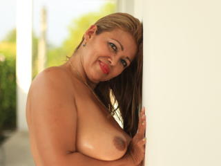 MatureDelicious - online chat xXx with this standard body Mature