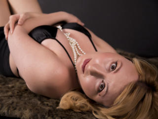 OlgaSensual - Web cam x with a shaved sexual organ Mature
