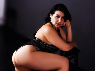 BigClitMILF - Show live nude with this Lady over 35 with big bosoms