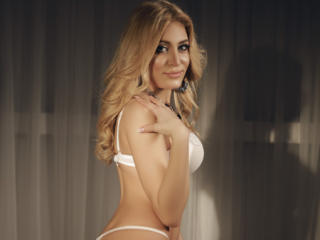 ClaireDaniells - Cam hard with a fit physique Young and sexy lady