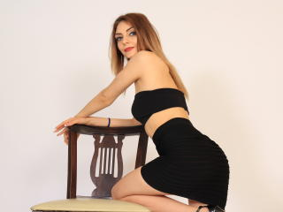 VivienneBlondy - Chat sex with a White Hot lady