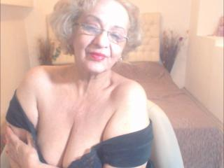 DivaDiamonds - Live hot with this standard body Sexy mother