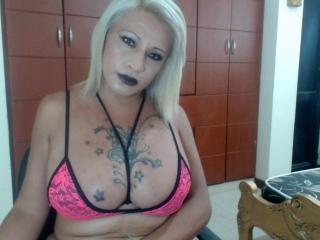 CandelaSexy69 - Live cam hot with a shaved pubis Transgender