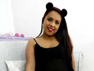 SophieFerre - Chat live porn with a latin american Girl