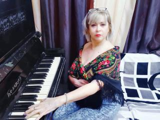 VeronikaElegant - Live xXx with a unshaven private part Sexy mother