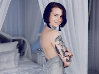 Tattooheart - Chat cam exciting with a Nude girl