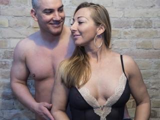 Foto del profilo sexy della modella TrishAndMike, per uno show live webcam molto piccante!