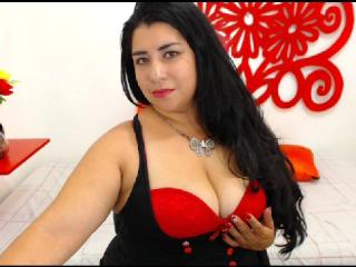 CandyMilf - Chat cam nude with this chunky Sex college hottie