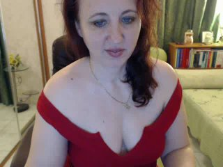 Picture of the sexy profile of LadyJulya, for a very hot webcam live show !